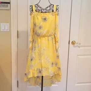 Other - Yellow black and white high low dress